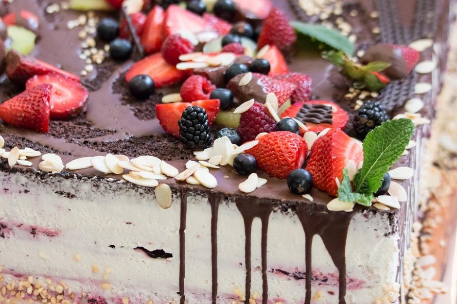 a luscious cake