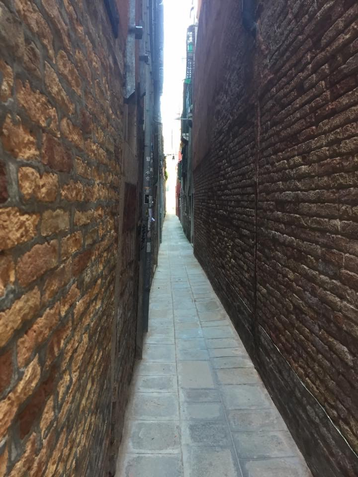 A narrow path somewhere in Italy